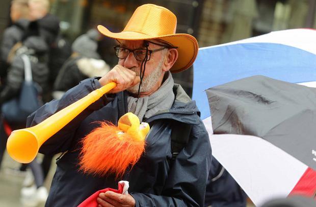 Zdjęcie numer 0 w galerii - Pomarańczowo na ulicach Starówki, to goście z Lejdy [GALERIA]