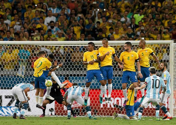 Brazylijczyk zdradził sposób na zatrzymanie Messiego: Zmienialiśmy się, aby go kopać