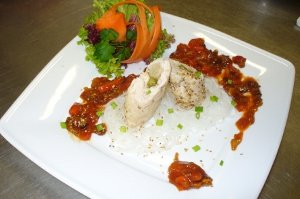Indyk w sosie po myśliwsku z makaronem ryżowym - ugotuj