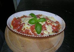 Sola na zielonym łożu pod pomidorową kołderką - ugotuj
