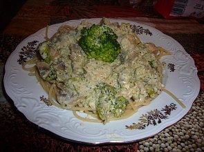Co nieco w sosie brokułowo-serowym - ugotuj