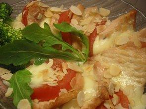 Delikatny kurczak zapiekany z mozarellą - ugotuj