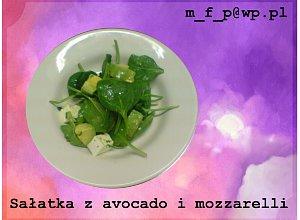 Sałatka z awokado i mozzarellą - ugotuj