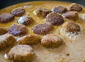 Kuleczki sojowe w sosie - ugotuj