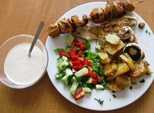 Grilowana pierś z kurczaka z grilowanymi ziemniakami - ugotuj