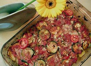 Letnia zapiekana z ziemniakami i cukinią - ugotuj