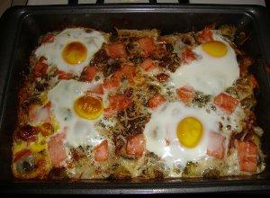 Zapiekanka z jajkami sadzonymi