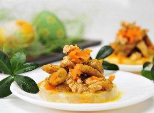 Sałatka z grillowanym kurczakiem w sosie curry
