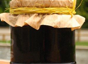 Dżem z jagód z cytryną i migdałami - ugotuj