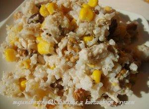 Sałatka z ryżu i kurczaka na słodko - ugotuj