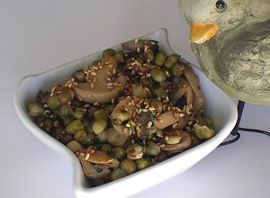 Fasolka mung z pieczarkami i sezamem - ugotuj
