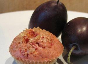 Orkiszowa mąka ze śliwką - mini muffinki - ugotuj