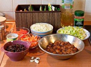Makaron smażony z kurczakiem i warzywami - ugotuj