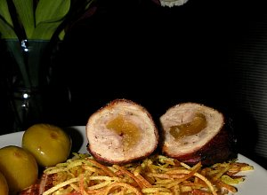 Roladki schabowe z figami z konfitury i chruścik ziemniaczany - ugotuj