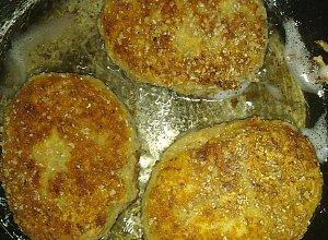 Kotlety z kaszy gryczanej i sera - ugotuj