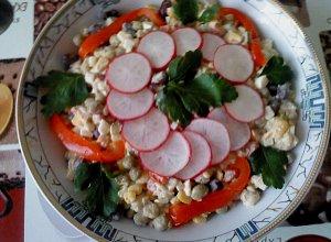 Sałatka z groszku i kukurydzy - ugotuj