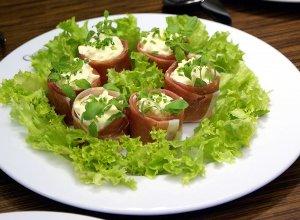 Jajeczka w parmeńskim uścisku - ugotuj