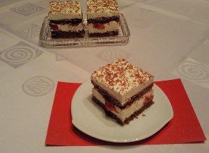 "Tort ""Czarny las"" z truskawkami - ugotuj"