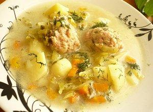 Ogórkowa zupa z pulpecikami - ugotuj