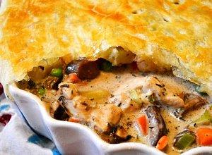 Kurczak z borowikami pod ciastem francuskim - ugotuj