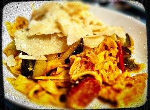 Spaghetti z cukinią i chorizo - ugotuj