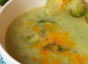Pyszna zupa z  brukselką i serem - ugotuj