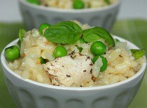 Miętowe risotto z groszkiem i kurczakiem - ugotuj