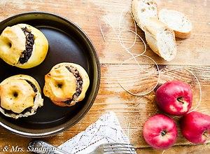 Jabłka nadziewane kaszanką - ugotuj