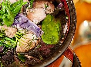 Pyszna oczyszczająca zupa z czerwonej kapusty - ugotuj