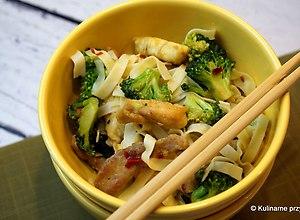 Wieprzowina smażona z brokułami - ugotuj