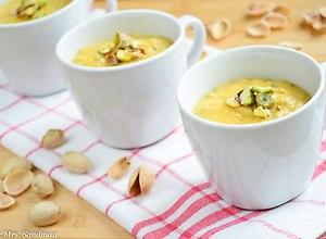 Krem dyniowo - marchewkowy z pistacjami - ugotuj
