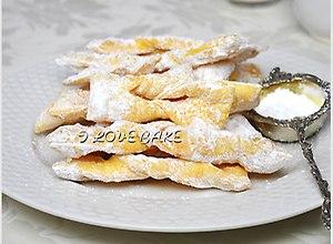 Faworki - przepis z kuchni staropolskiej - ugotuj
