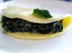 Omlet ze szpinakiem - przepis blogera - ugotuj