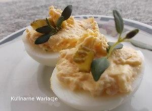 Jajka nadziewane szynką i parmezanem - ugotuj