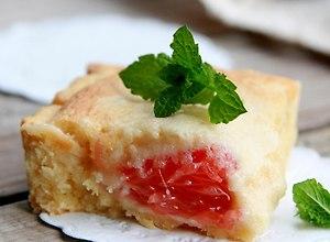 Krucha marcepanowa tarta z grejfrutem - ugotuj
