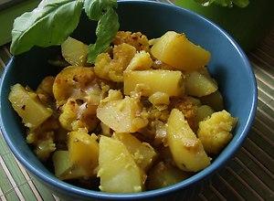 Aloo Gohi, czyli ziemniaki i kalafior w curry - ugotuj
