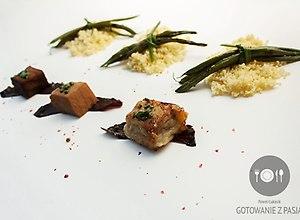 Sałatka z marynowanego tuńczyka w sosie sojowym na trzy sposoby - ugotuj